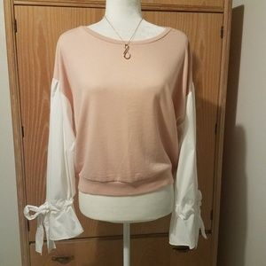 Romeo & Juliet Couture Long Sleeve Top Size M NEW